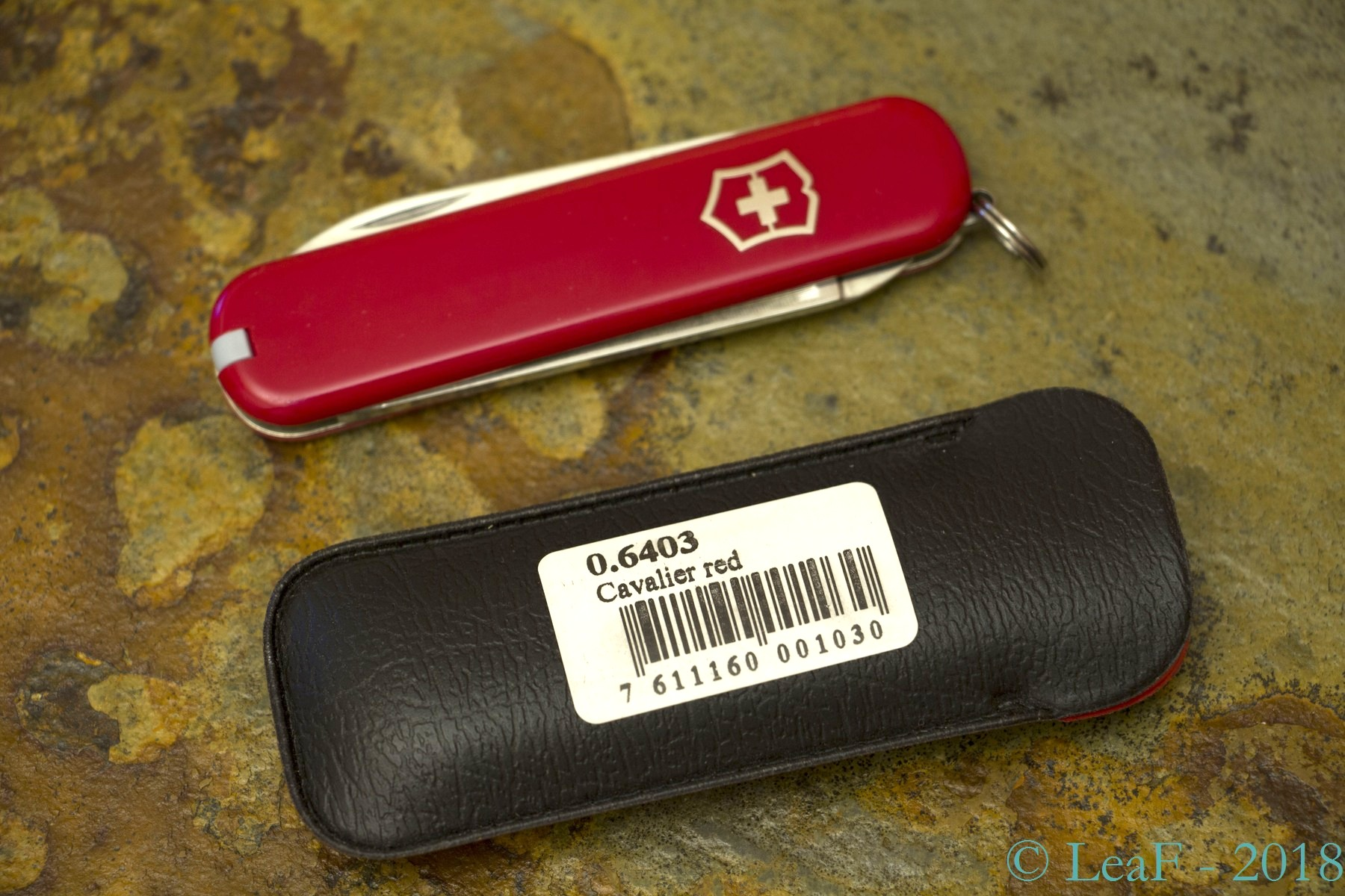 141 Cavalier Leaf S Victorinox Knives Collection