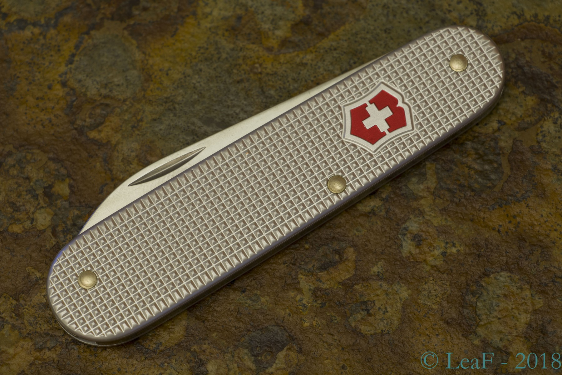189 Bantam Alox Leaf S Victorinox Knives Collection