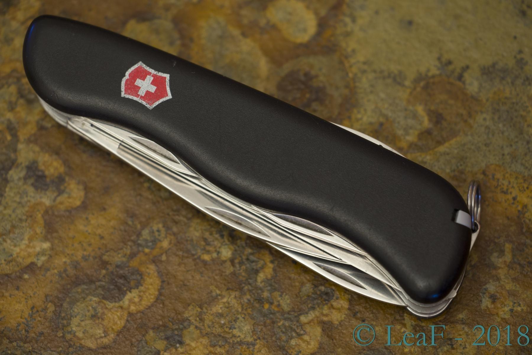 202 Fireman Slide Lock Leaf S Victorinox Knives Collection