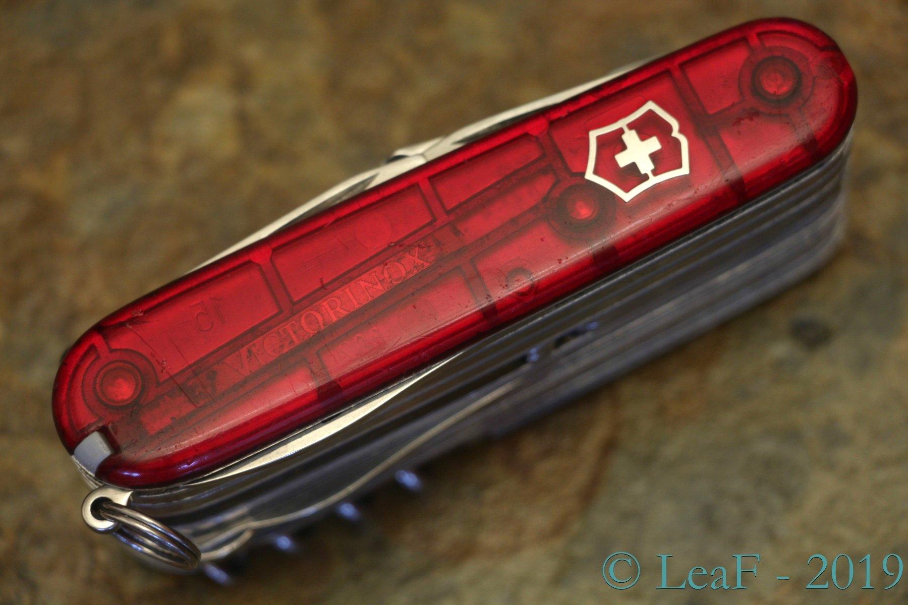 247 Swisschamp Xlt Leaf S Victorinox Knives Collection
