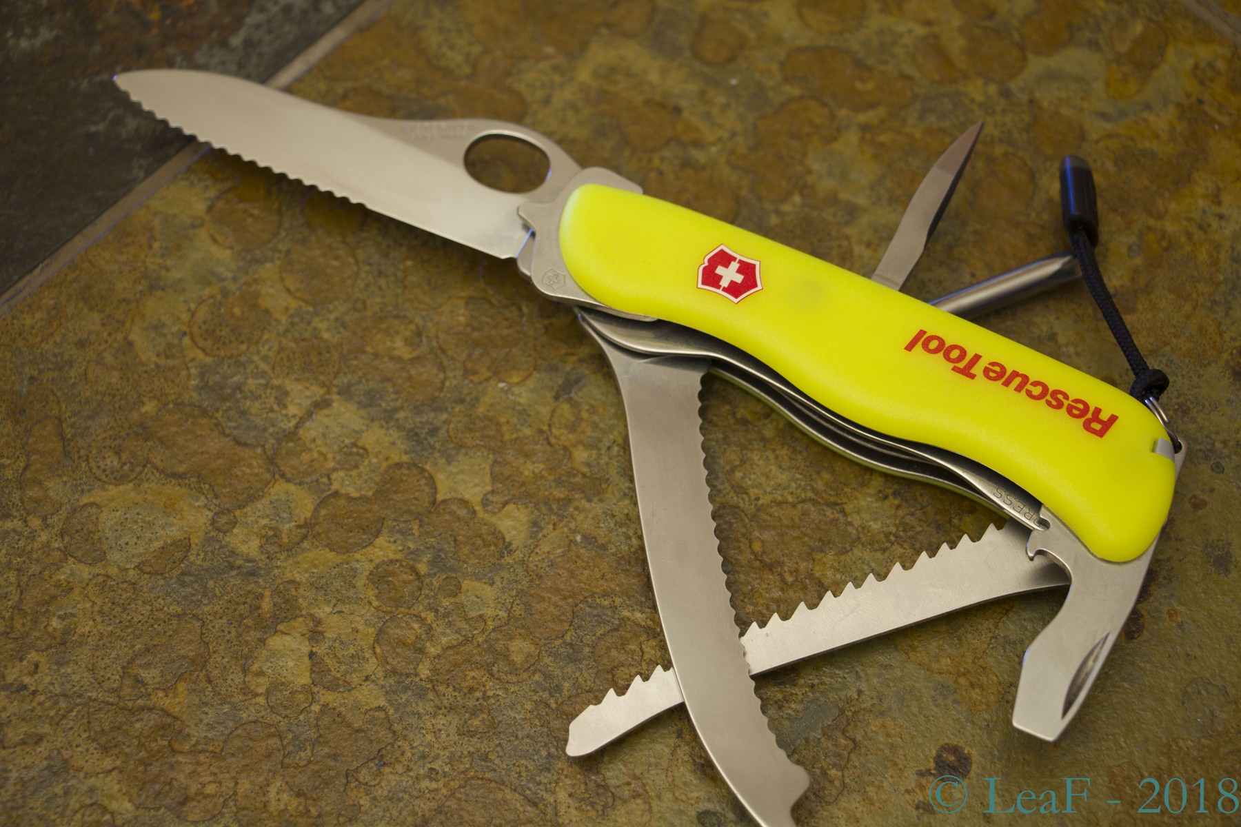 285 Rescue Tool Oh Leaf S Victorinox Knives Collection