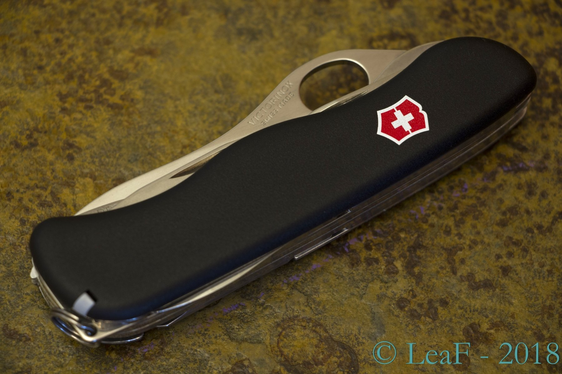 434 Locksmith Oh Leaf S Victorinox Knives Collection