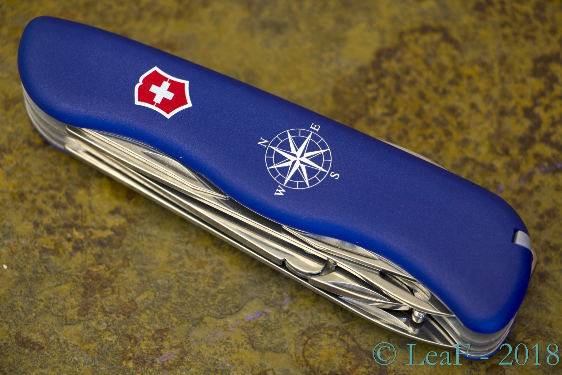 453 Skipper Leaf S Victorinox Knives Collection