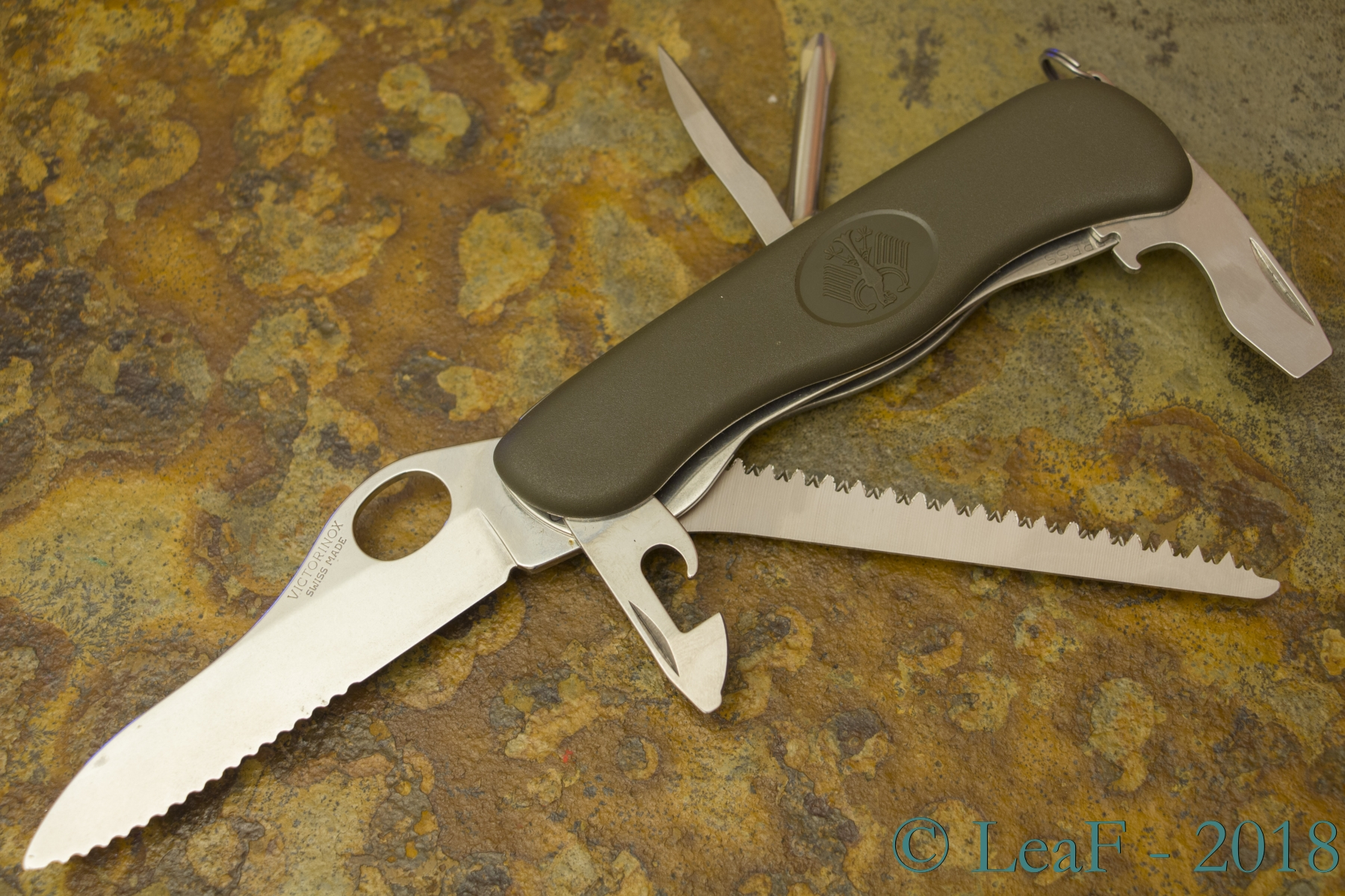 007 Gak 111 Leaf S Victorinox Knives Collection