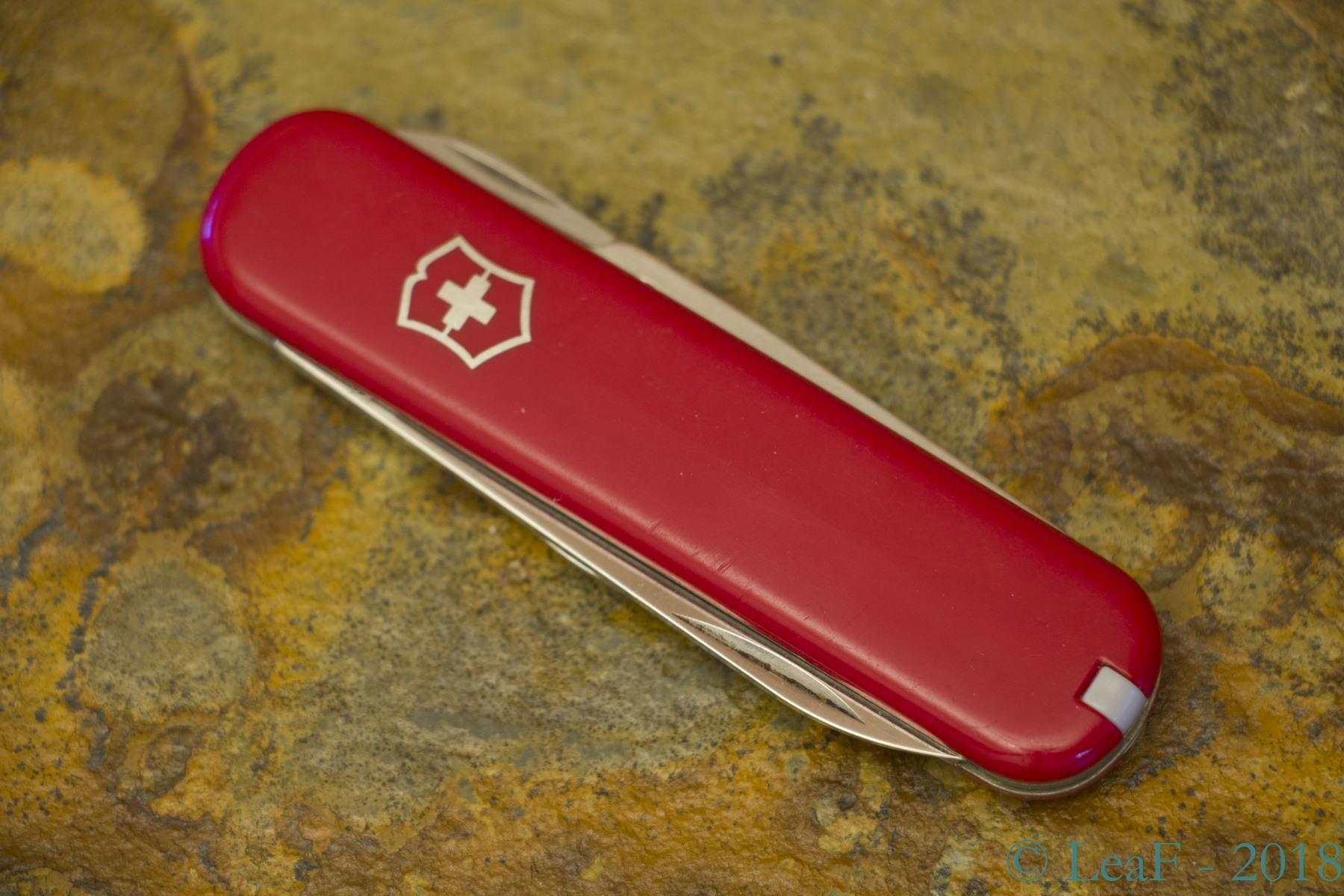 031 Ambassador Leaf S Victorinox Knives Collection