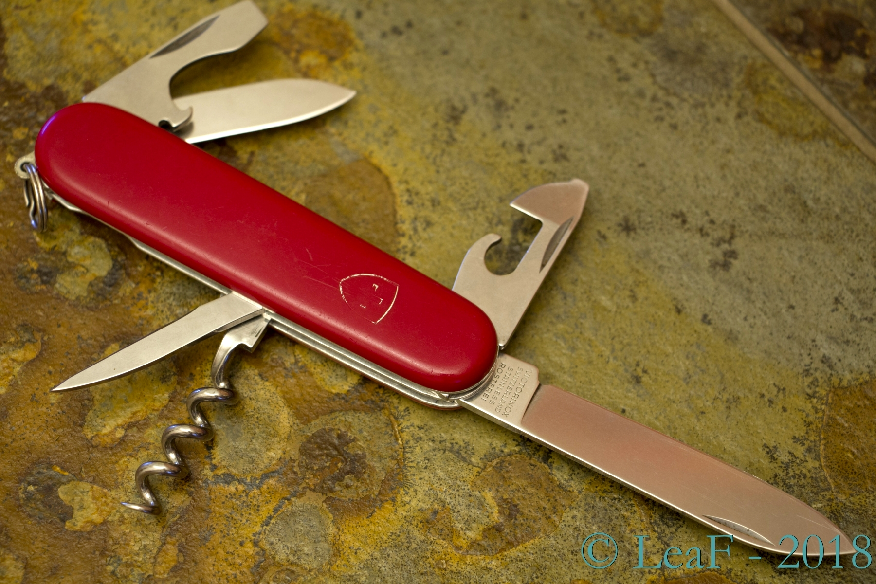 045 Standard Leaf S Victorinox Knives Collection