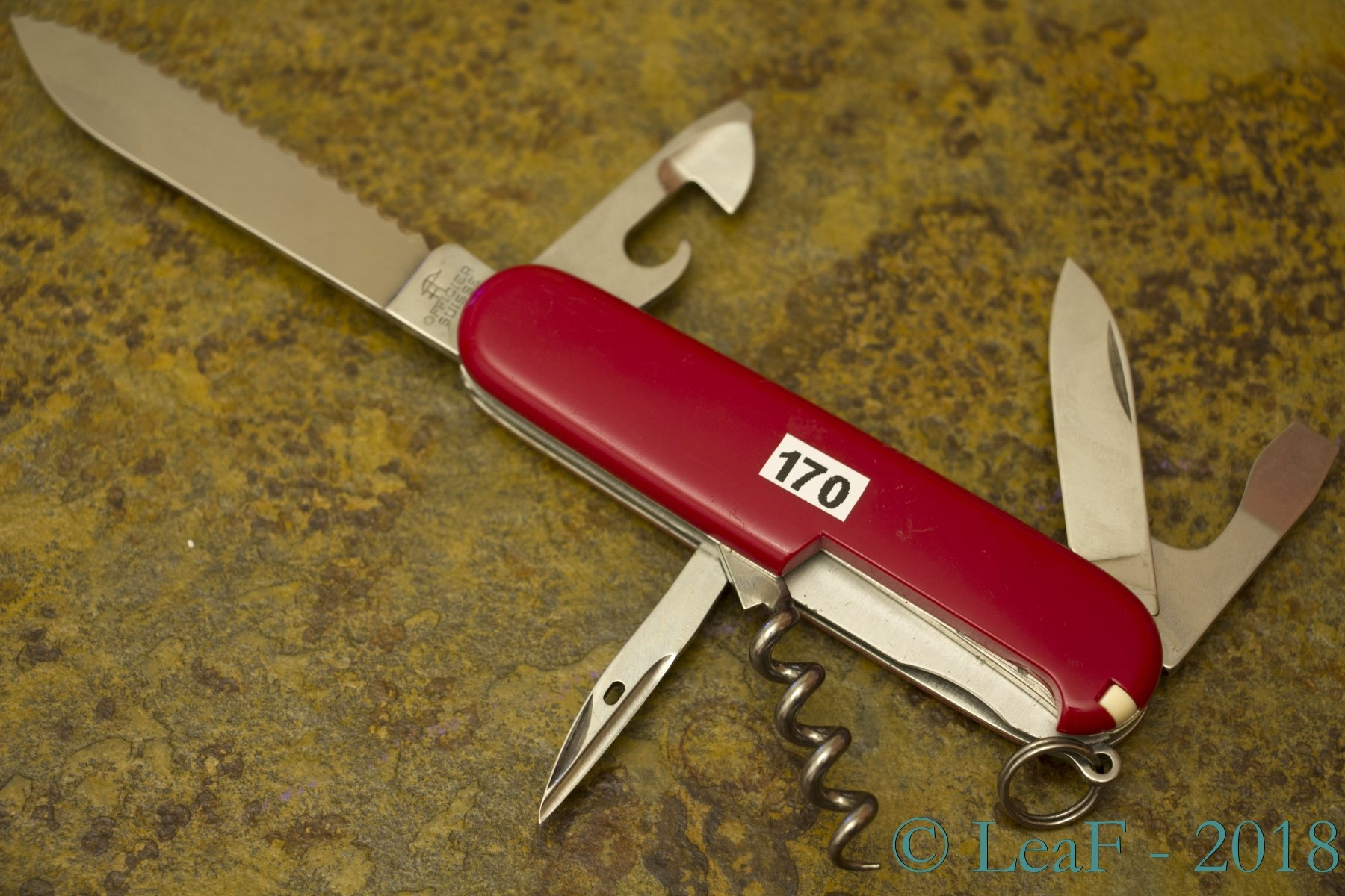 170 Weekender Spartan Serrated Leaf S Victorinox