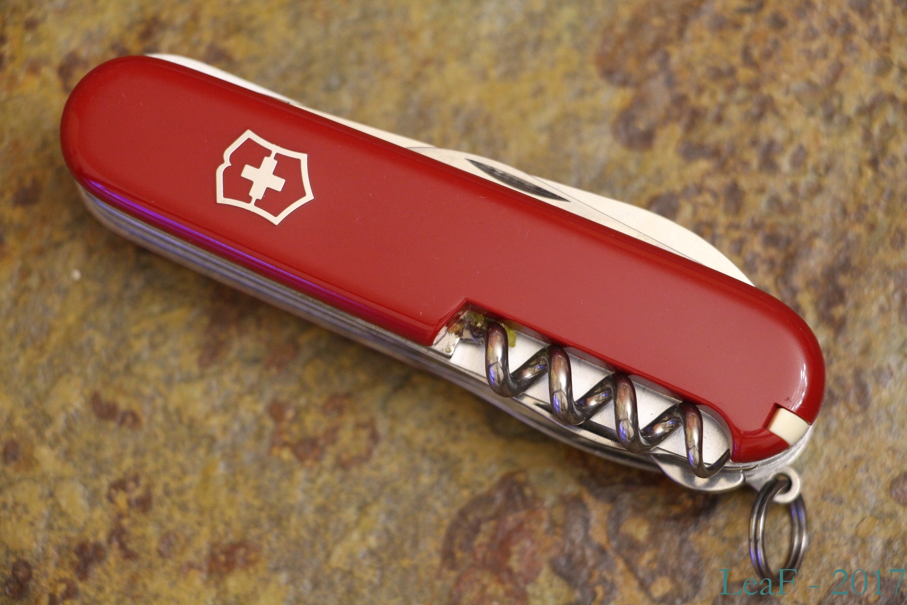 301 Outdoorsman Leaf S Victorinox Knives Collection