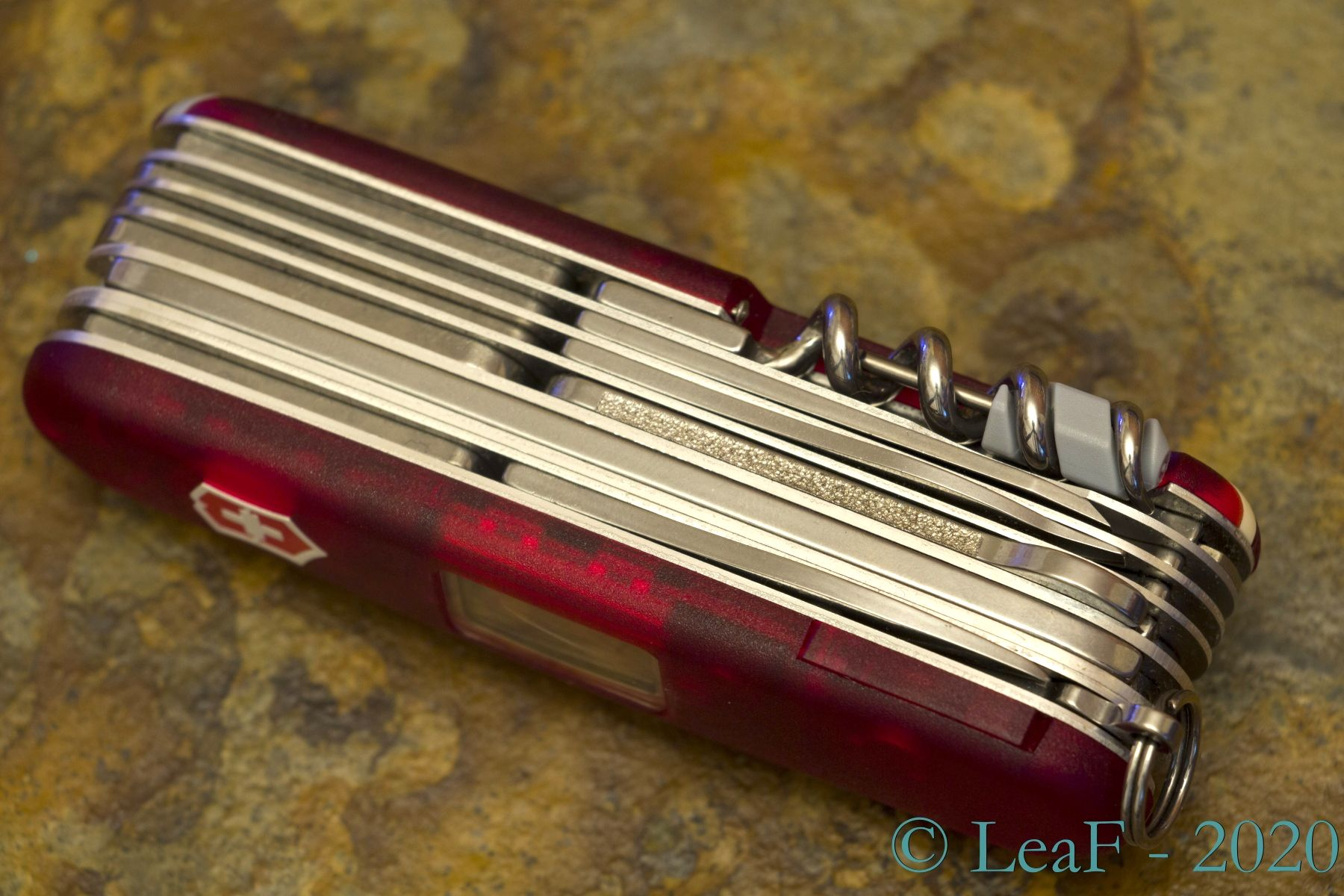 306 Expedition Lite Leaf S Victorinox Knives Collection