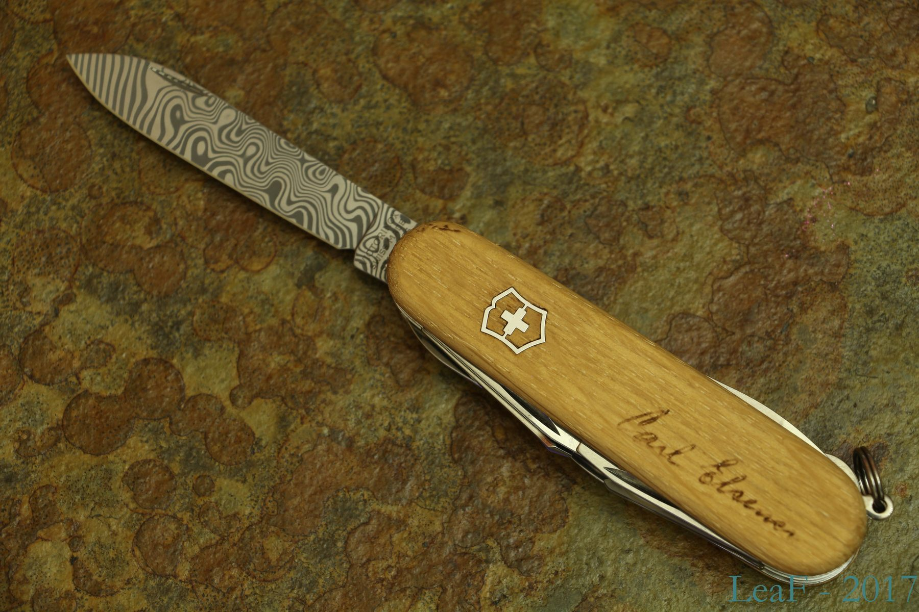 316 Explorer Damast Le 2013 Leaf S Victorinox Knives