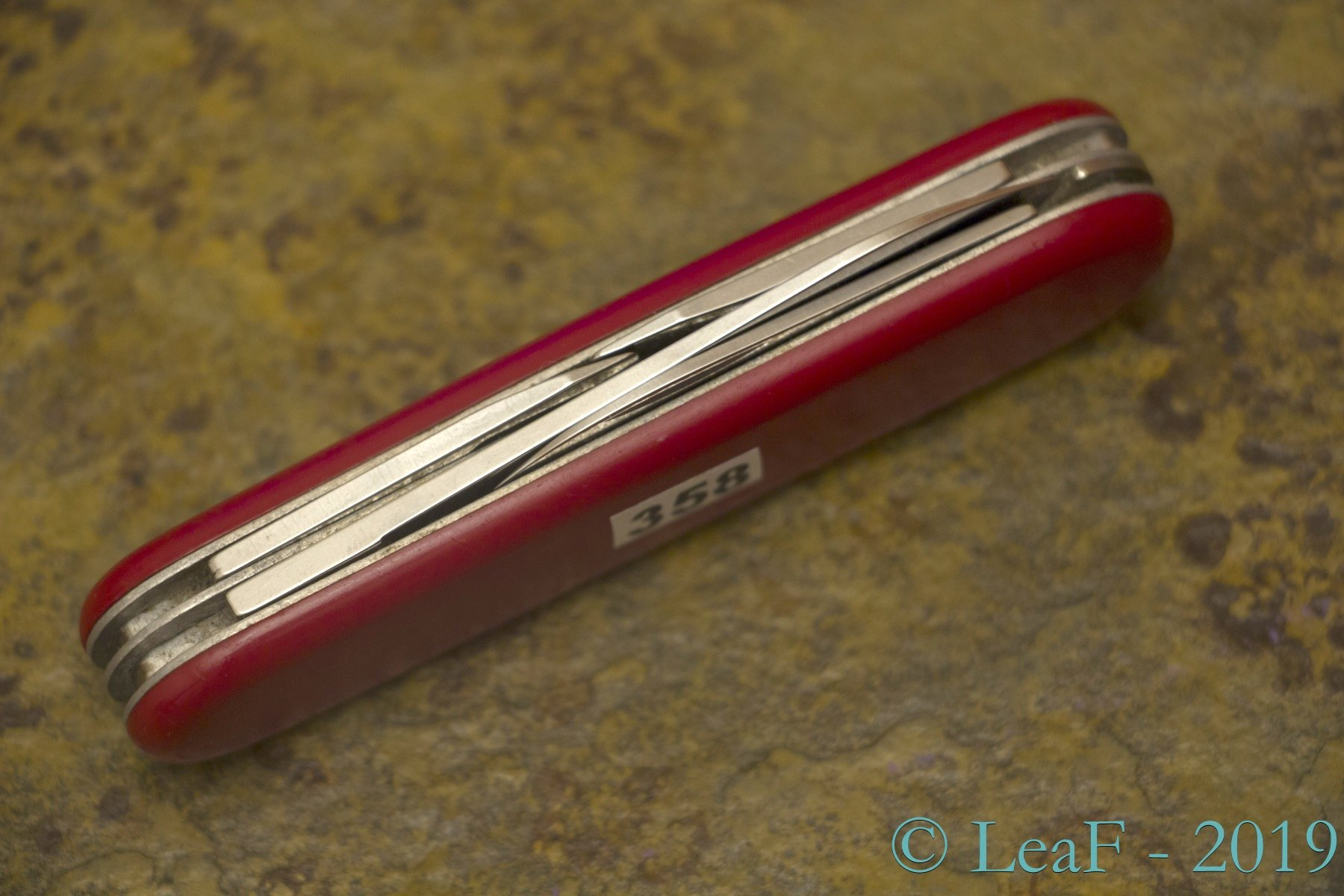 358 Scouter Recruit Leaf S Victorinox Knives Collection