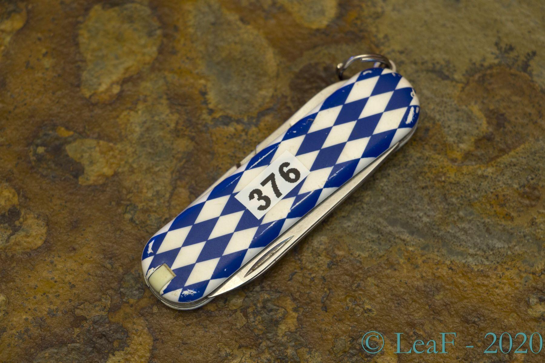 376 Classic Bayern Bavaria Leaf S Victorinox Knives