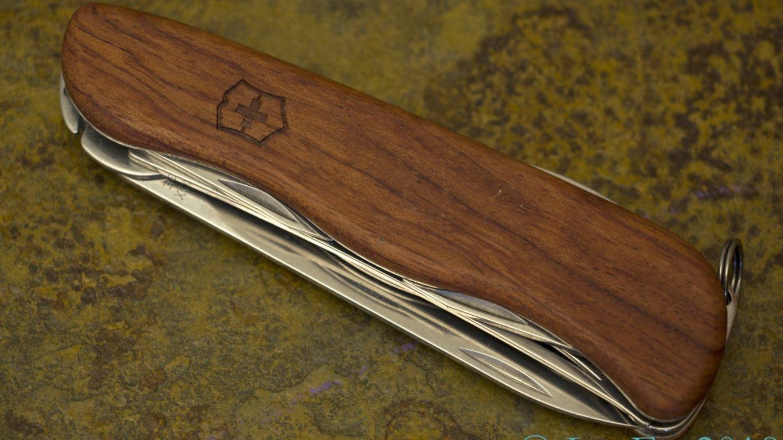 427 Hardwood Cheese Knife Leaf S Victorinox Knives