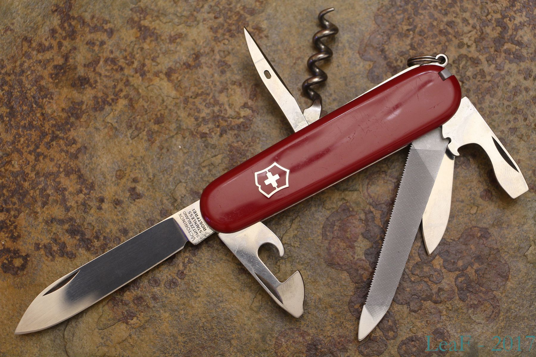472 Clipper Leaf S Victorinox Knives Collection