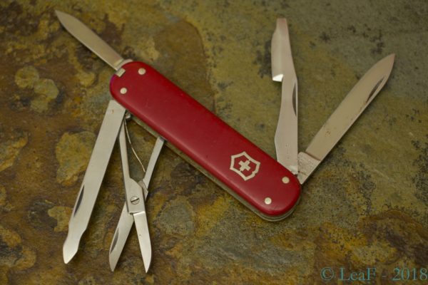 Leaf S Victorinox Knives Collection Page 4 My Small