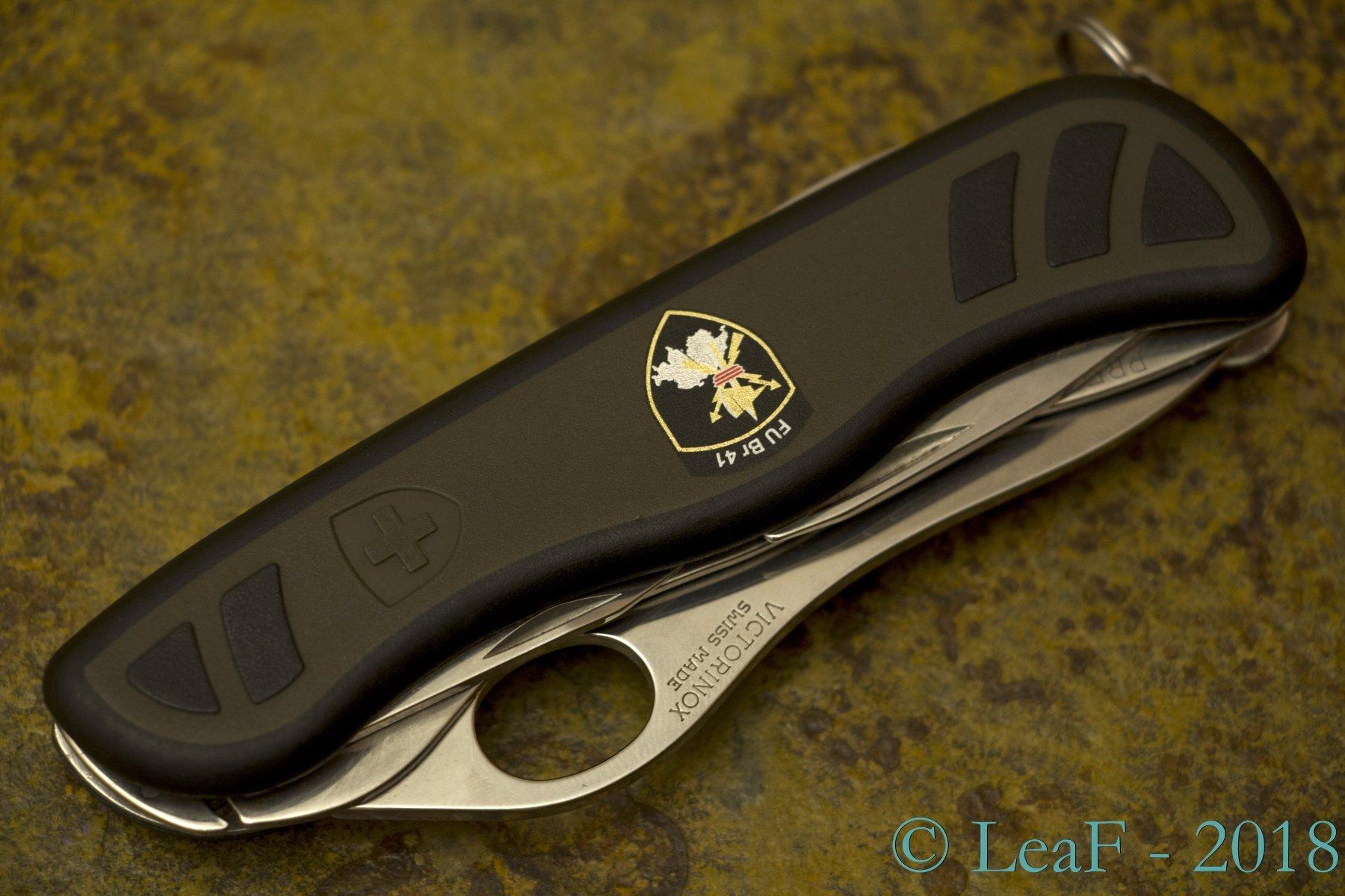 529 Soldier 2008 Fu Br 41 Leaf S Victorinox Knives