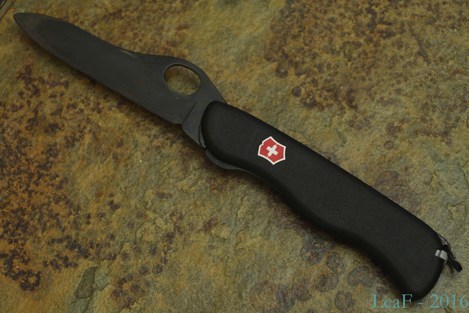 560 Sentinel Black Oxide Leaf S Victorinox Knives