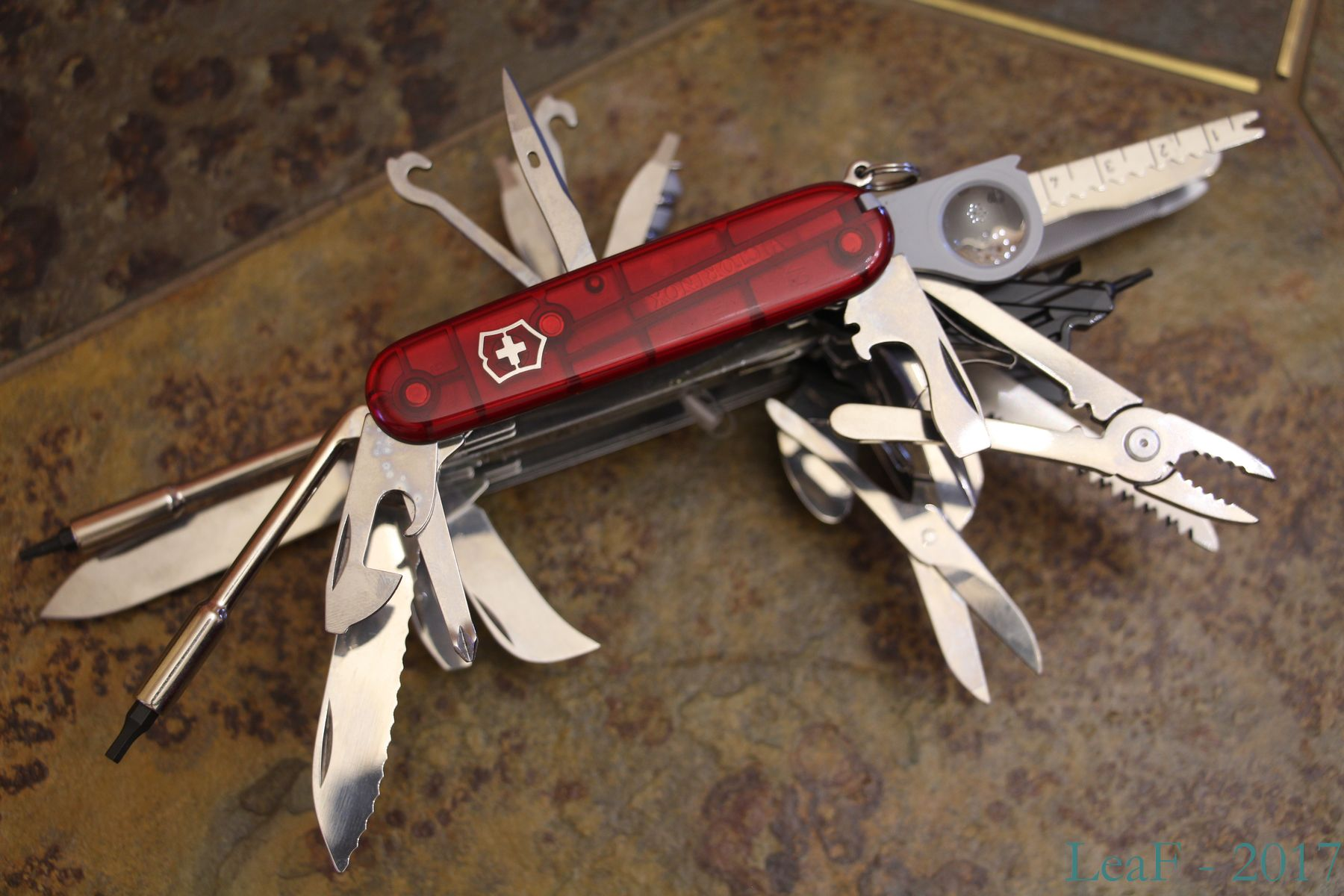 Hook With Nail File Leaf S Victorinox Knives Collection