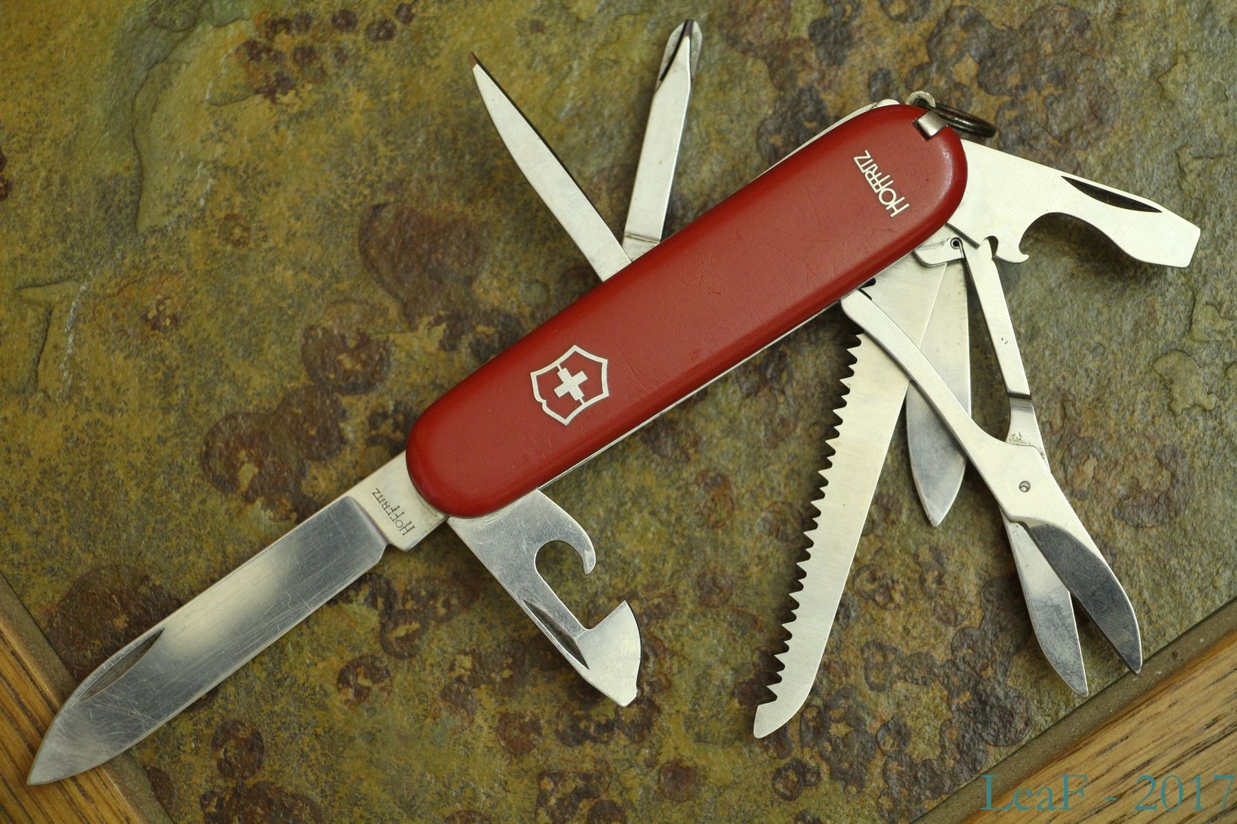 593 Fieldmaster Leaf S Victorinox Knives Collection