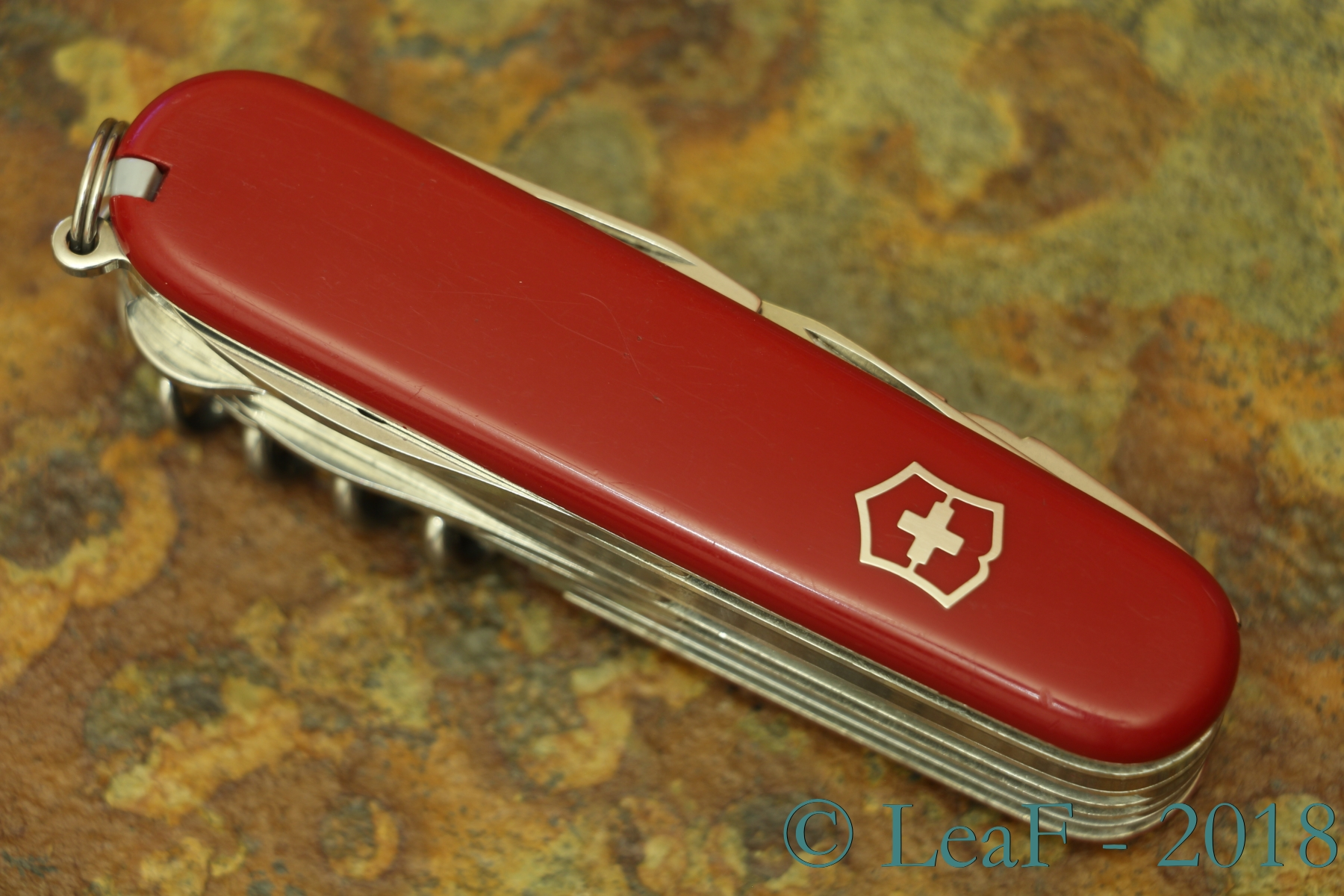 713 Handyman Leaf S Victorinox Knives Collection
