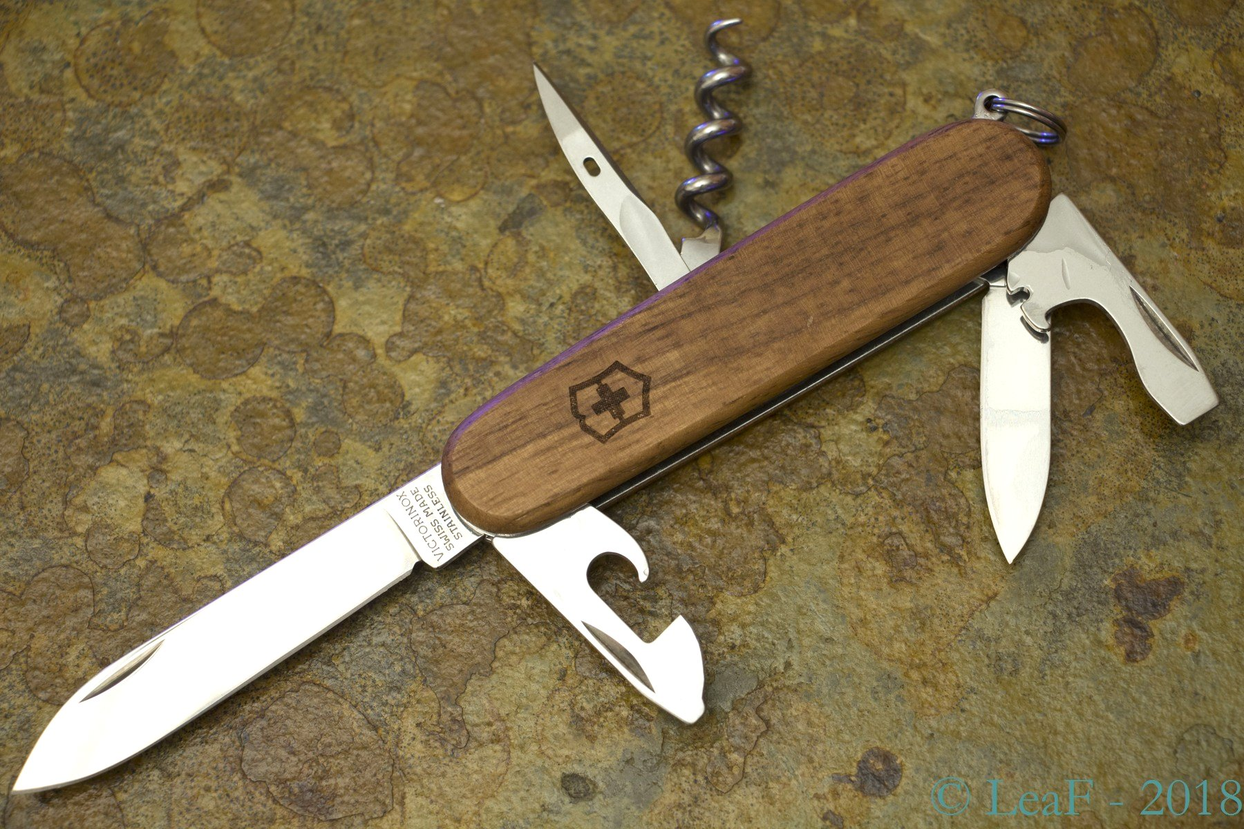 770 Spartan Wood Leaf S Victorinox Knives Collection